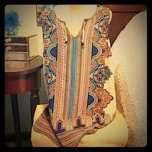 Colorful sleeveless blouse
